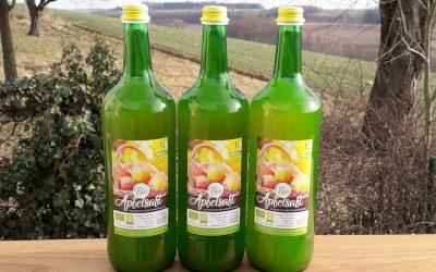 Frischer Bio-Apfelsaft